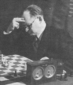 http://www.chesshistory.com/winter/pics/cn4757_alekhine.jpg